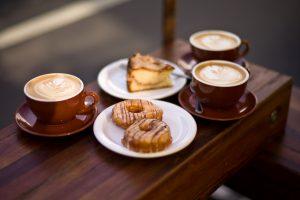 Kaffe och ringmunkar